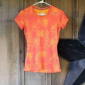 Under armour tee size xs